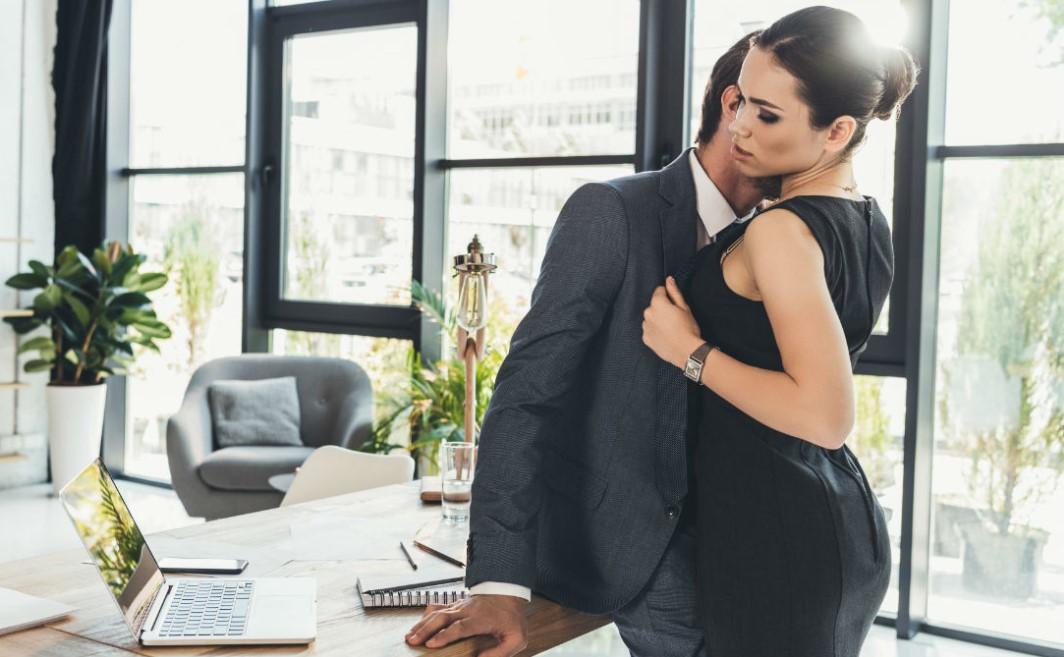 В чем преимущества знакомств через интернет